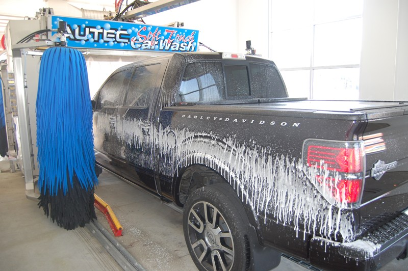 Daytona car wash automatic car wash exterior auto detail for Interior exterior car wash near me